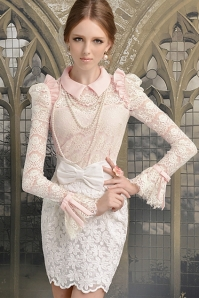 Flare-Sleeve-Flouncing-Lace-T-shirt-With-Peter-Pan-Collar
